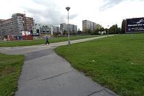 V těchto místech na Hlavní třídě v Porubě vyroste moderní budova