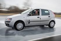 Senioři se mohou zdarma procvičit v řidičských dovednostech. Ilustrační foto.