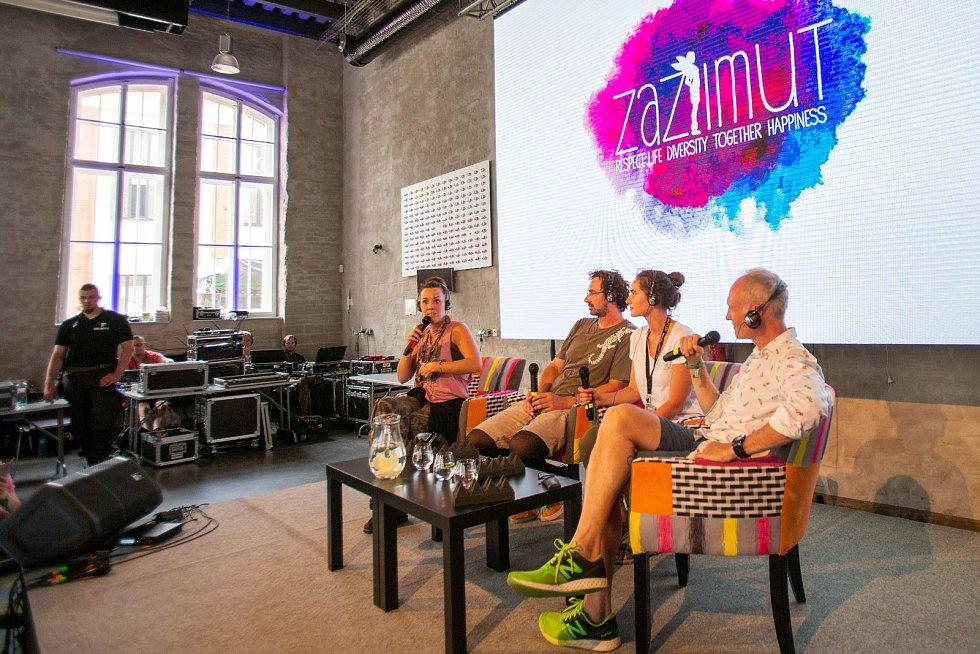Hudební festival Colours of Ostrava 2019 v Dolní oblasti Vítkovice, 20. července 2019 v Ostravě. Přednáška s francouzskou zpěvačkou Zaz