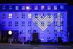 Na budově Městské nemocnice Ostrava se 25. listopadu 2020 rozsvítilo takzvané Světlo lékařům složené ze symbolů srdce a baterie u příležitosti akce Giving Tuesday, která má vyjádřit vděk a podporu zdravotníkům bojujícím proti koronaviru.