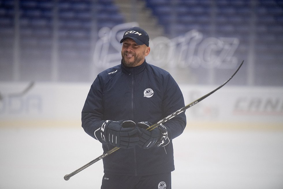 První trénink na ledě hokejistů HC Vítkovice Ridera, 26. července 2021 v Ostravě. Na snímku Roman Šimíček.