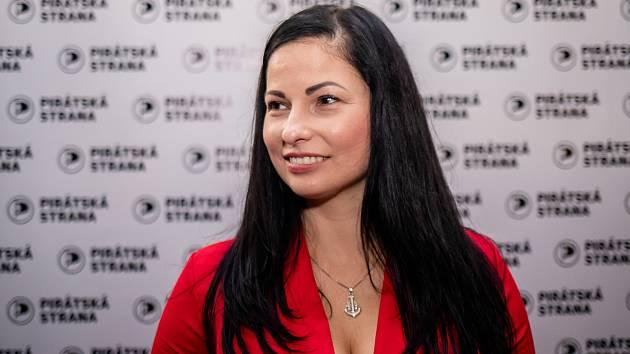 Volební štáb Pirátské strany, 3. října 2020 v Ostravě. Zuzana Klusová.