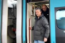 Davis cupový tým Česka dorazil do Ostravy pendolinem na nádraží Svinov. Jaroslav Navrátil