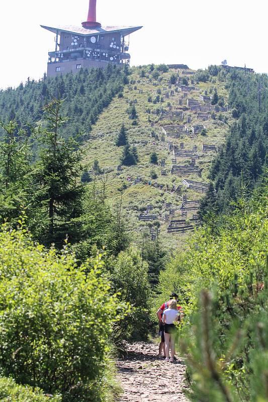 Lysá hora v létě. Ilustrační foto.