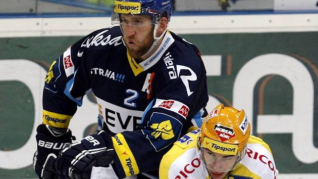 Marek Malík na snímku vlevo
