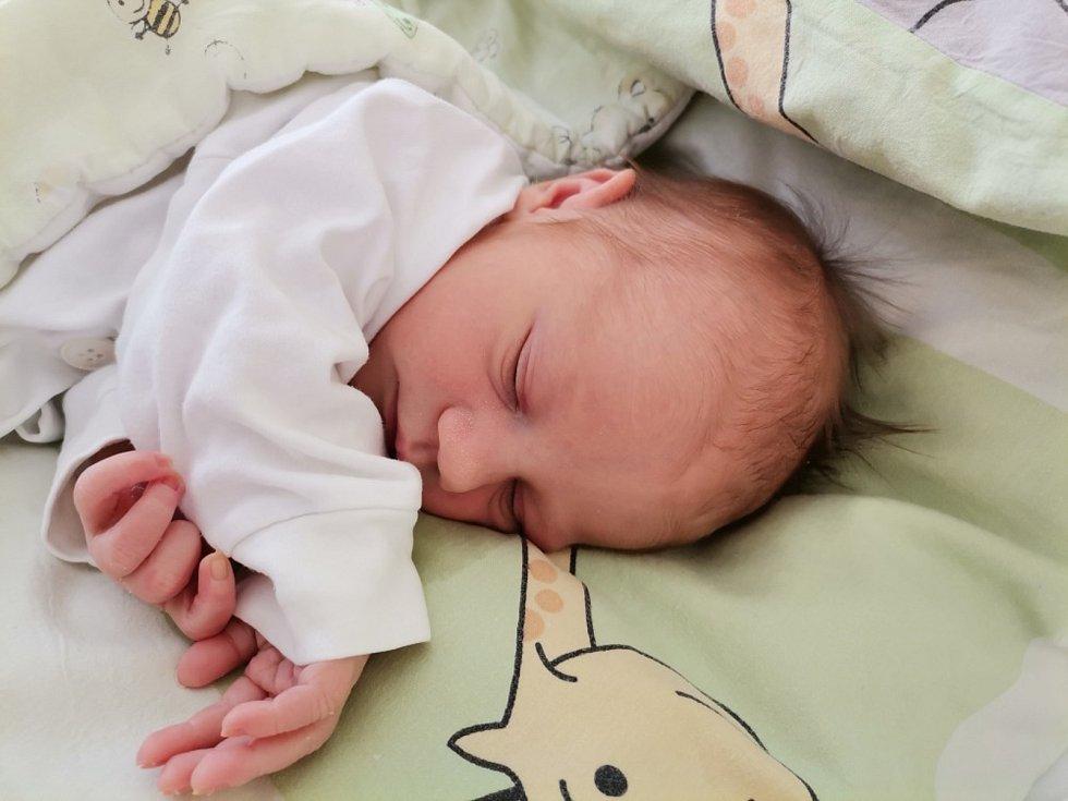 Liliana Kačmaříková z Havířova, narozena 30.4. 2021 v Havířově, míra 49 cm, váha 2940 g. Foto: Michaela Blahová