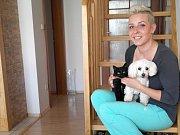 Petra Sekerová doma v Horních Datyních poskytuje dočasný azyl psům a kočkám.