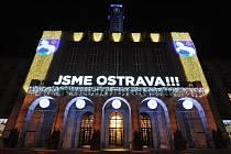 Vánoční výzdoba Nové radnice v Ostravě.