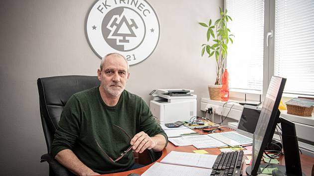 Karel Kula, bývalý reprezentant a jedna z legend fotbalového Baníku Ostrava, je v současné době šéfem druholigového Třince a také členem výkonného výboru FAČR.