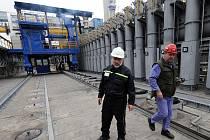 V Koksovně Svoboda uvedli do zkušebního provozu novou koksárenskou baterii. Celkem tam nyní mají čtyři.