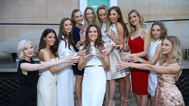 Snímky ze zákulisí soutěže Česká Miss.