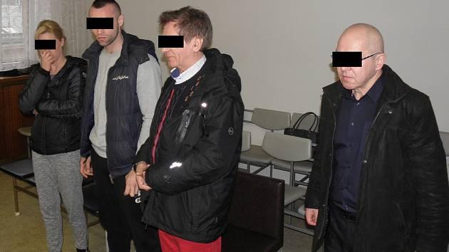 Před soudem stanuli tři Poláci a jejich krajanka (na snímku z jednání u ostravského krajského soudu).
