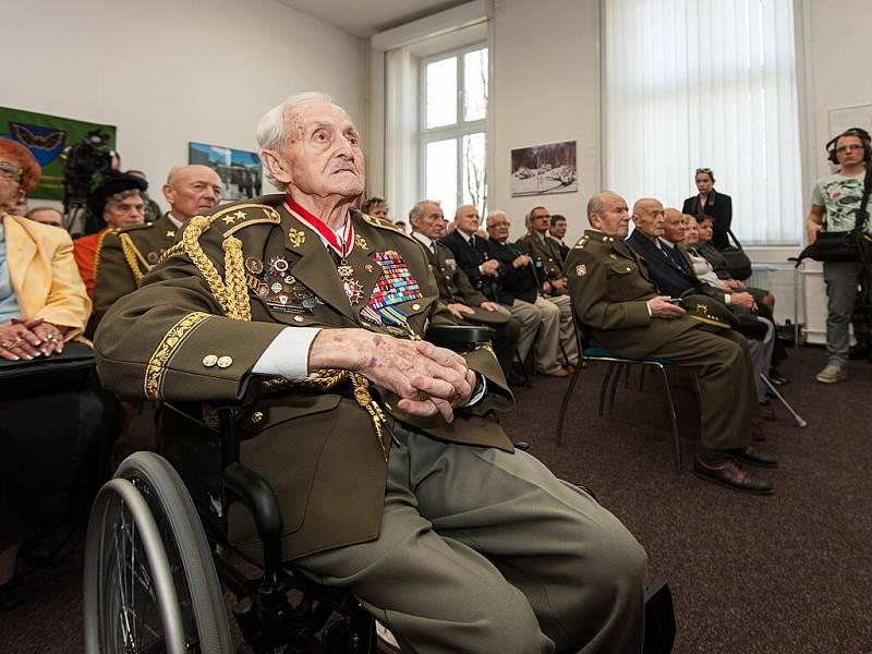 Prezident Miloš Zeman při návštěvě Jaselských kasáren v Opavě, listopad 2014..