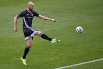 Fotbalový útočník Tomáš Smola přestoupil z Baníku Ostrava do rumunského celku Gaz Metan Medias.