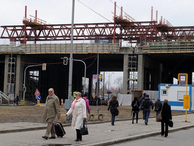 Svinovské mosty v průběhu generální opravy