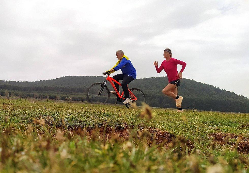 Česká pětinásobná maratonská mistryně Petra Pastorová a její trenér Otto Seitl z Ostravy.