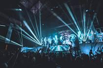 Festival elektronické taneční hudby. Ilustrační foto.