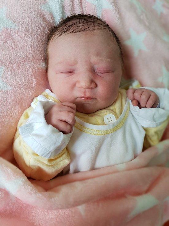 Isabela Slivková z Dolního Benešova, narozena 2. července 2021, váha 3460 g, míra 49 cm. Foto: Andrea Šustková