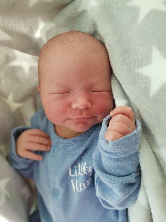 Petr Šoltys, Bolatice, narozen 18. července 2021 v Opavě, váha 3850 g, míra 51 cm. Foto: Lucie Dlabolová