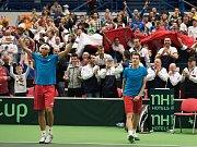 Los Davis Cupu v Ostravě, na snímku vlevo Thanasi Kokkinakis, vpravo Lukáš Rosol.