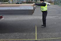 Policisty zaměstnali řidiči nákladních vozidel s cizími registračními značkami.