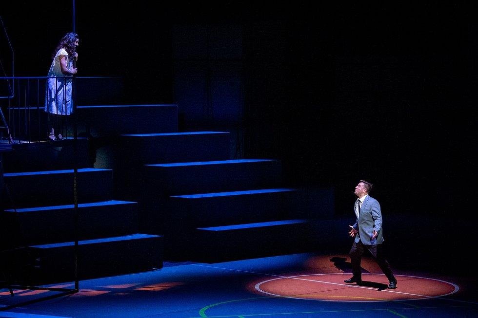 Generální zkouška světového muzikálu West Side Story v Divadle Jiřího Myrona 5. února 2020 v Ostravě. Herci Tomáš Savka a Marianna Polyáková.