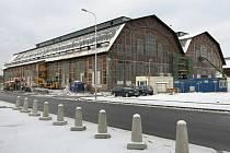 Jako společensko-kulturní prostor bude využita historická stavba Trojhalí. Z objektu dvou hal bývalé elektrocentrály se stane zastřešené náměstí.