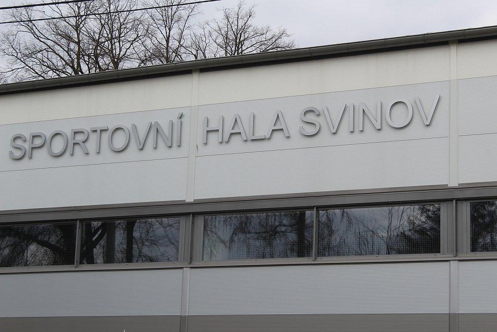 Sportovní hala ve Svinově.