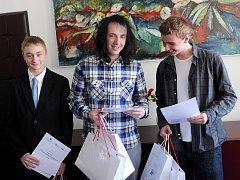 Na snímku úplně vlevo třetí Denis Kupr, vedle něj Jiří Křenek a úplně vpravo vítěz Jiří Jirásek.
