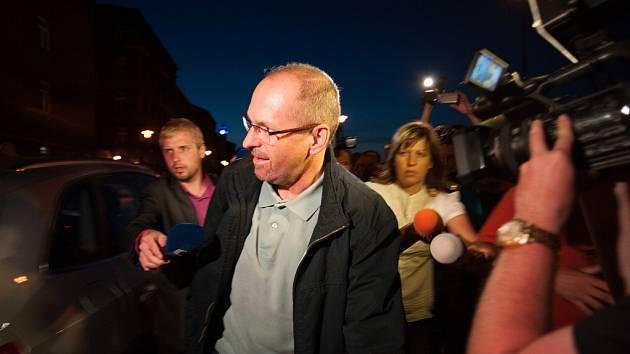Brány ostravské vazební věznice v úterý v noci opustili dva bývalí poslanci Marek Šnajdr a Ivan Fuksa (na snímku) figurující v kauze Nagyová a spol.