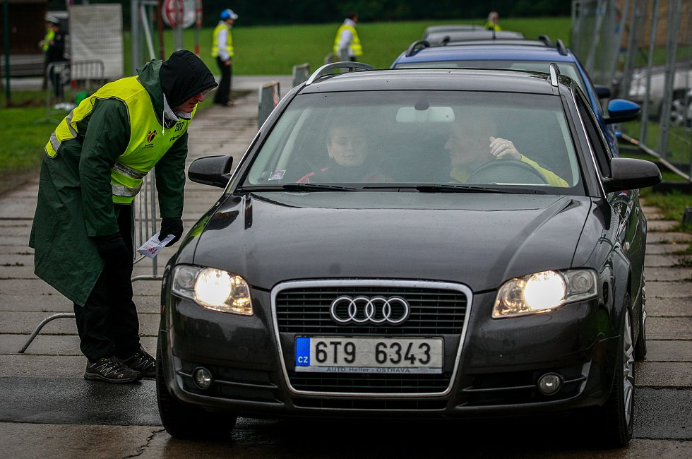 Dny NATO v Ostravě na letišti v Mošnově. Namátková kontrola vozidel