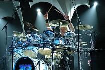 Bubeník skupiny Yes Alan White.