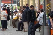 Romové na Jiráskově náměstí v centru Ostravy. Ilustrační foto