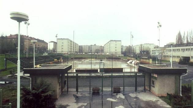 Krytý zimní stadion v Ostravě-Porubě.