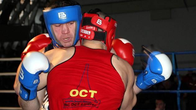 Stanislav Bártek bude bojovat v těžké váze proti Viktorovi.