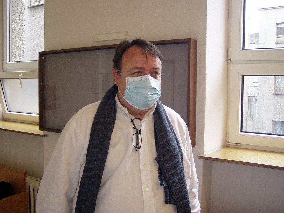 Daneš Zátorský (na snímku z druhého jednání u Krajského soudu v Ostravě) byl u Vrchního soudu v Olomouci definitivně zproštěn obžaloby.