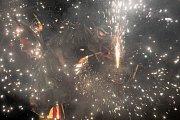 Ohňostroj katalánské kultury, který se konal 1. července 2017 v Ostravě.
