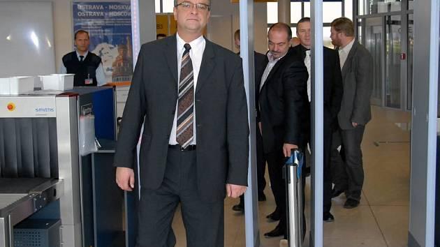 Miroslav Kalousek na mošnovském letišti