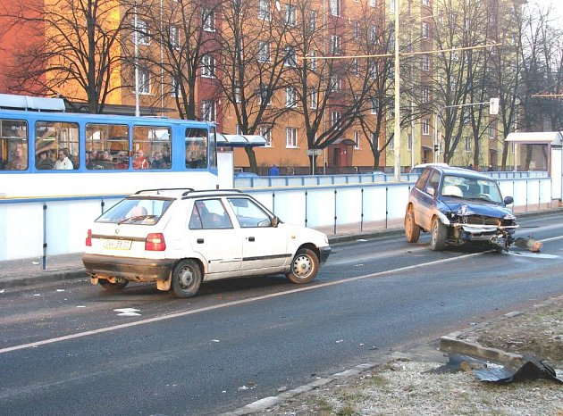 Nehoda na Opavské ulici v Ostravě-Porubě