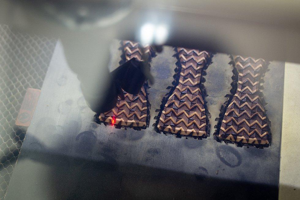 Firma BeWooden která vyrábí originální dřevěné doplňky, 3. února 2020 ve Fryčovicích.