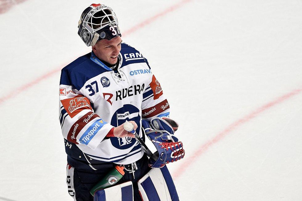 Utkání 3. kola hokejové extraligy: HC Oceláři Třinec - HC Vítkovice Ridera, 15. prosince 2020 v Třinci. brankář Daniel Dolejš z Vítkovic.
