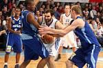 Basketbalové play off mezi NH Ostrava a BK Prostějov.