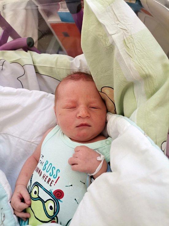 Tobiáš Halamíček, Brušperk, narozen 9. června 2021 v Havířově, míra 50 cm, váha 3300 g.