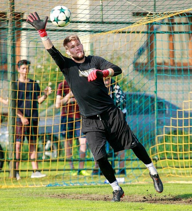 Fotbalový trénink Bohumínských fotbalistů s brankářem Tomášem Vaclíkem.Na fotografii Tomáš Vaclík.
