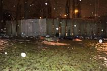 Zde došlo k prvnímu napadení při konfliktu mezi muži bez domova v Ostravě.