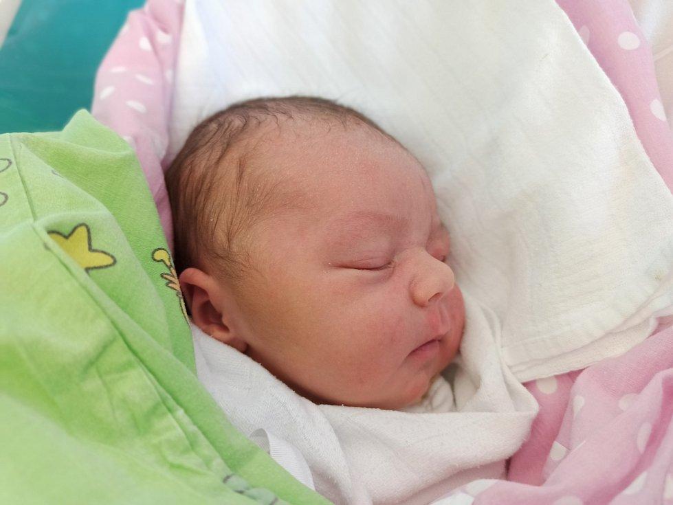 Rozálie Macurová, Třinec – Konská, narozena 4. dubna 2021, míra 50 cm, váha 4250 g Foto: Gabriela Hýblová