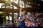FIVB Světové série v plážovém volejbalu J&T Banka Ostrava Beach Open, 2. června 2019 v Ostravě. Finále muži, (1) Ondrej Perusic a (2) David Schweiner.