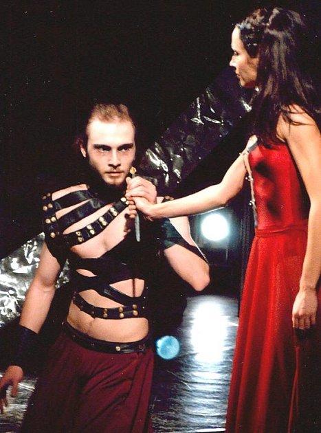 Lukáš Lepold v roli Macbetha