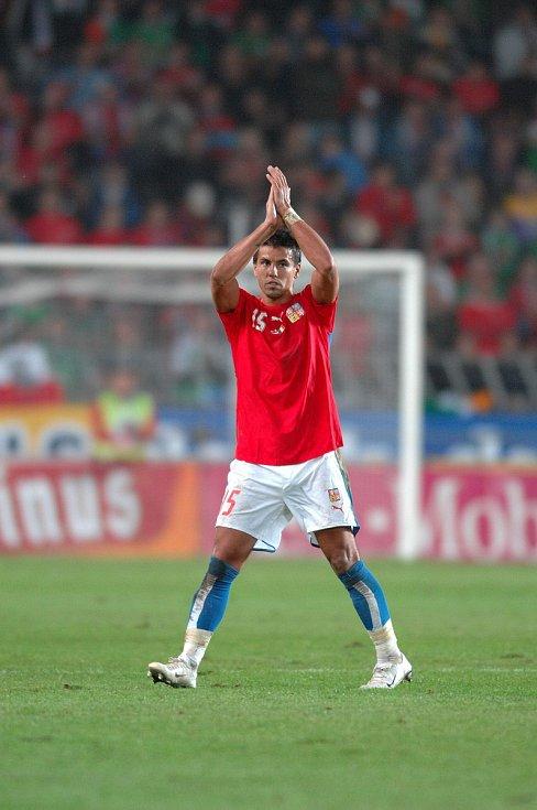 Milan Baroš při zápase s Irskem.