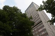 Nejvyšší ostravský věžový dům na Ostrčilově ulici.